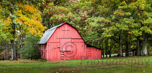 Missouri Barn in Fall Colors